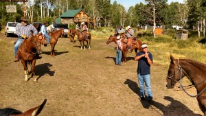horses_people_circle